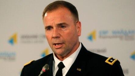 Trung tướng Ben Hodges nói Tổng thống Nga Vladimir Putin có hai mục tiêu chính khi giúp các phần tử đòi ly khai ở Ukraine.
