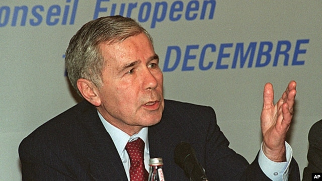 FILE - Hungarian Prime Minister Gyula Horn, Dec 13, 1997.