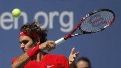 Roger Federer berpeluang menggeser peringkat Nadal pada nomor 2 dunia jika menjuarai Madrid Open (foto: dok).