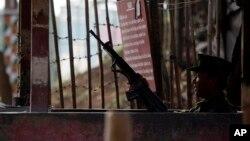 Một nhóm nổi loạn người Kokang đã tấn công các đồn quân sự nhằm mục đích tiến chiếm Laukai, thủ phủ của khu vực tự quản Kokang.