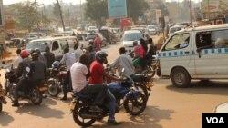 An intersection is seen in Kampala, Uganda, Feb. 12, 2014. (Hilary Heuler/VOA)