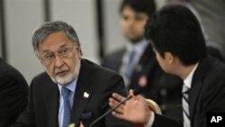 وزیر امور خارجه افغانستان در گفت و گو با وزیر امور خارجه ژاپن