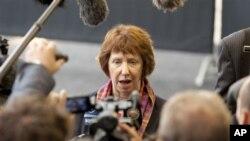 25일 EU 외무장관 회의에서 시리아의 공격을 규탄하는 캐서린 애쉬튼 EU 외교 대표.