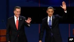 Mitt Romney et Barack Obama à la fin du débat