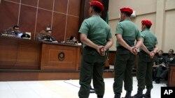 5일 인도네시아 군사법원에서 교도소 수감자들을 살해한 군인들에 대한 선고 공판이 열렸다.