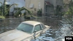 La Nouvelle Orléans lors du passage dévastateur de Katrina en 2005, VOA