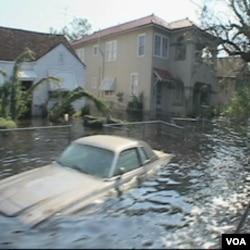 Ulica New Orleansa, nakon uragana Katrina 2005. godine