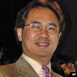 汉和防务评论创办人平可夫(资料照片)