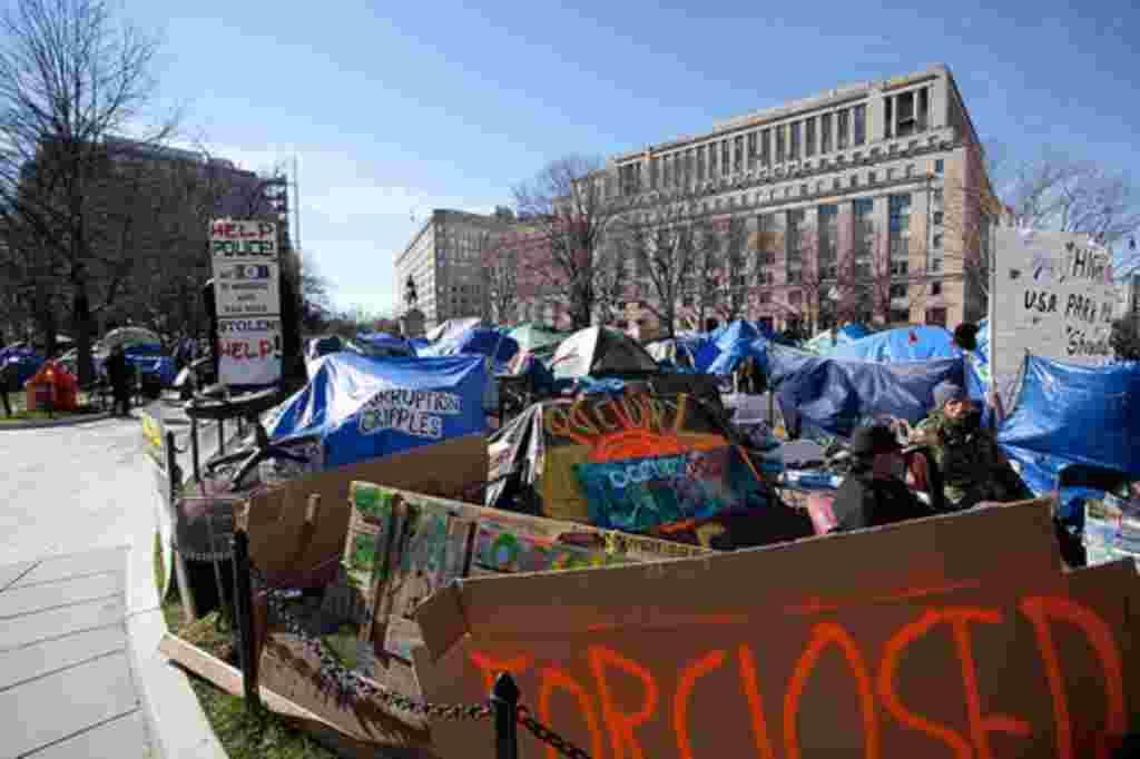 Los manifestantes acampan en la Plaza McPherson y la Plaza Libertad desde octubre de 2011.