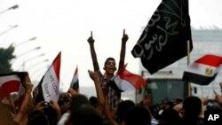 Αίγυπτος: Tα ισλαμικά κόμματα συγκέντρωσαν τις περισσότερες ψήφους