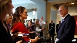 Конгресмен-республіканець Майк Конавей, який очолює розслідування зв'язків Трампа з Росією, звертається до преси