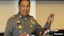 20일 태국 방콕 경찰청 본부에서 솜욧 품판푸앙 경찰청장이 기자회견을 하고 있다.