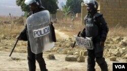 Polícia em acção no Bié