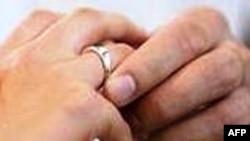 Azərbaycanda qızların nikah yaşı 18 olub