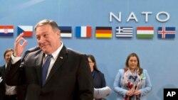 Novi državni sekretar SAD Majk Pompeo u sedištu NATO-a u Briselu