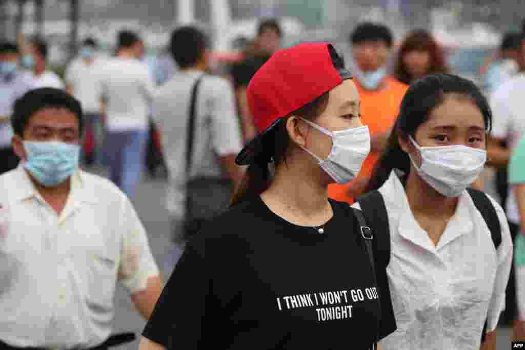 چین کی سرکاری خبر رساں ایجنسی اس سے قبل یہ کہہ چکی ہے کہ ان دھماکوں کی وجہ سے تقریباً 6,300 افراد کو نقل مکانی کرنی پڑی جبکہ تقریباً 721 افراد زخمی ہوئے۔