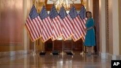 Nensi Pelosi uoči sednice Predstavničkog doma, 13. mart 2020.