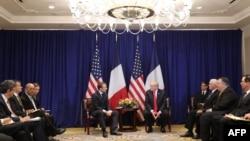 9月24日美國特朗普總統(中右)與法國總統馬克龍(中左)紐約會晤。右二為國務卿篷佩奧及右三副總統彭斯。