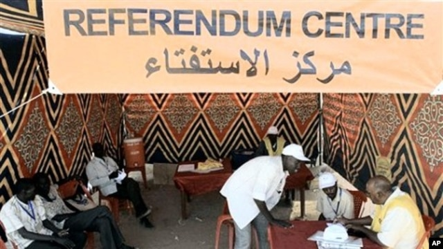 Southern Sudanese sit in a registration center of Al-jref Garb in the capital Khartoum, 25 Nov 2010