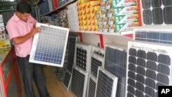 رویکرد فزاینده مردم هرات به استفاده از برق آفتابی (سولر)