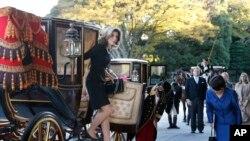 Balozi mpya wa Marekani nchini Japan Caroline Kennedy akiwasili Tokyo, Nov. 19, 2013.