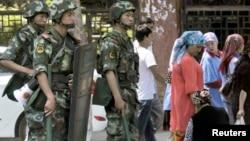 6月29日武警在乌鲁木齐市警戒