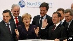 آغاز پروژۀ انتقال گاز روسیه به اروپا