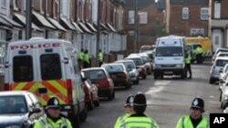 테러수사를 벌이고 있는 영국 경찰