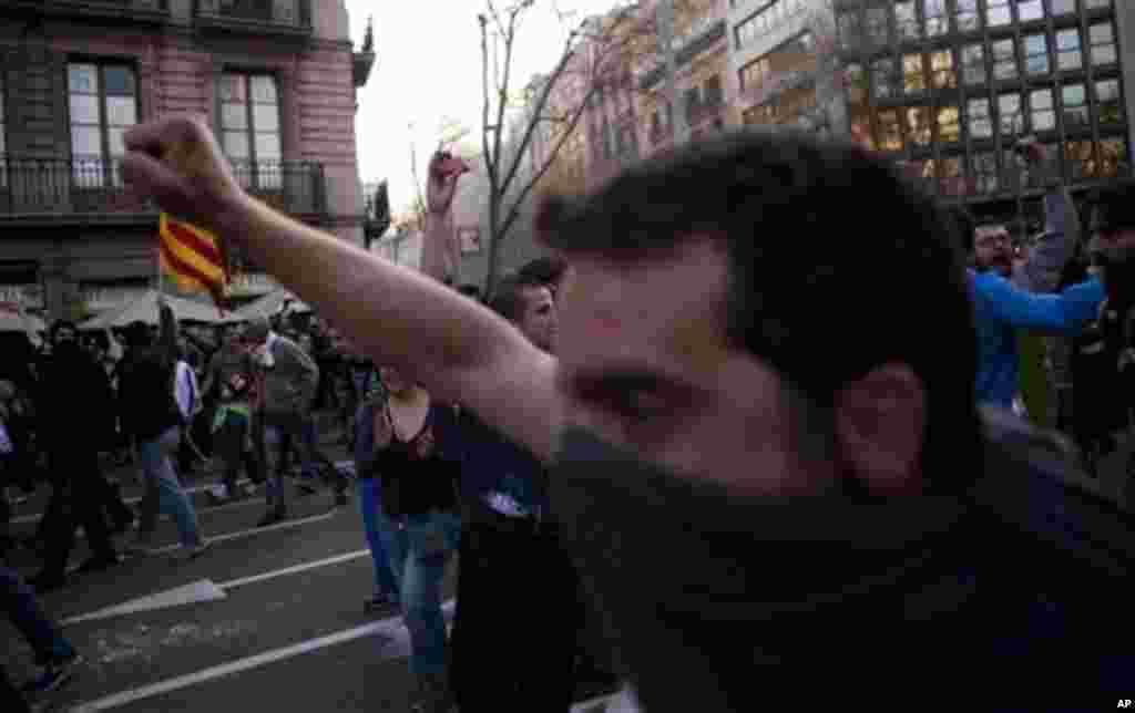 Las autoridades españolas indicaron que alrededor de 800.000 personas participaron de las protestas del 29 de marzo.