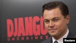 Aktor Leonardo DiCaprio saat menghadiri pemutaran perdana film 'Django Unchained' di New York, 1 Desember 2012 (Foto: dok). DiCaprio dan WWF, mengimbau pemerintah Thailand untuk melarang semua perdagangan gading di negara tersebut dalam kampanye global untuk menanggulangi kejahatan satwa liar ilegal.