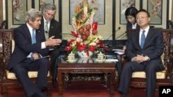 國務卿克里在星期六與中國國務委員楊潔箎會面