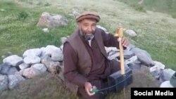 افغان گلوکار فواد اندرابی، جنہیں طالبان نے قتل کر دیا ہے۔