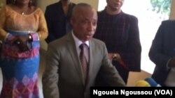 Au Congo-Brazzaville, le procureur de la république André Oko Ngakala a accusé Frédéric Bitsamou, alias Pasteur Ntumi, de perpétrer les actes de terrorisme dans le Pool, le 10 octobre 2016.