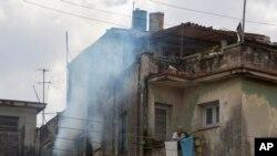"""""""Es necesario que cada uno de los cubanos asuma esta batalla como un asunto personal"""" dijo el presidente Raúl Castro en un mensaje nacional a la nación sobre el Zika."""