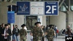 Fransa polisi anti-terror əməliyyatları zamanı 12 nəfəri həbs edib