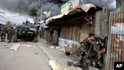 菲律宾政府军继续攻击三宝颜的反政府武装分子