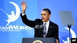 Presiden AS Barack Obama berbicara mengenai perekonomian AS di studia animasi DreamWorks di Glendale, California, Selasa (26/11).