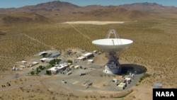 El asteroide que nos visitará el sábado será seguido por instalaciones astronómicas como esta en el desierto de Mojave, en California.