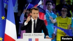 Emmanuel Macron du mouvement En Marche ! lors d'un rassemblement à Paris, le 1er mai.