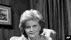 比林斯利1986年与她的电视家庭照片合影(1986)