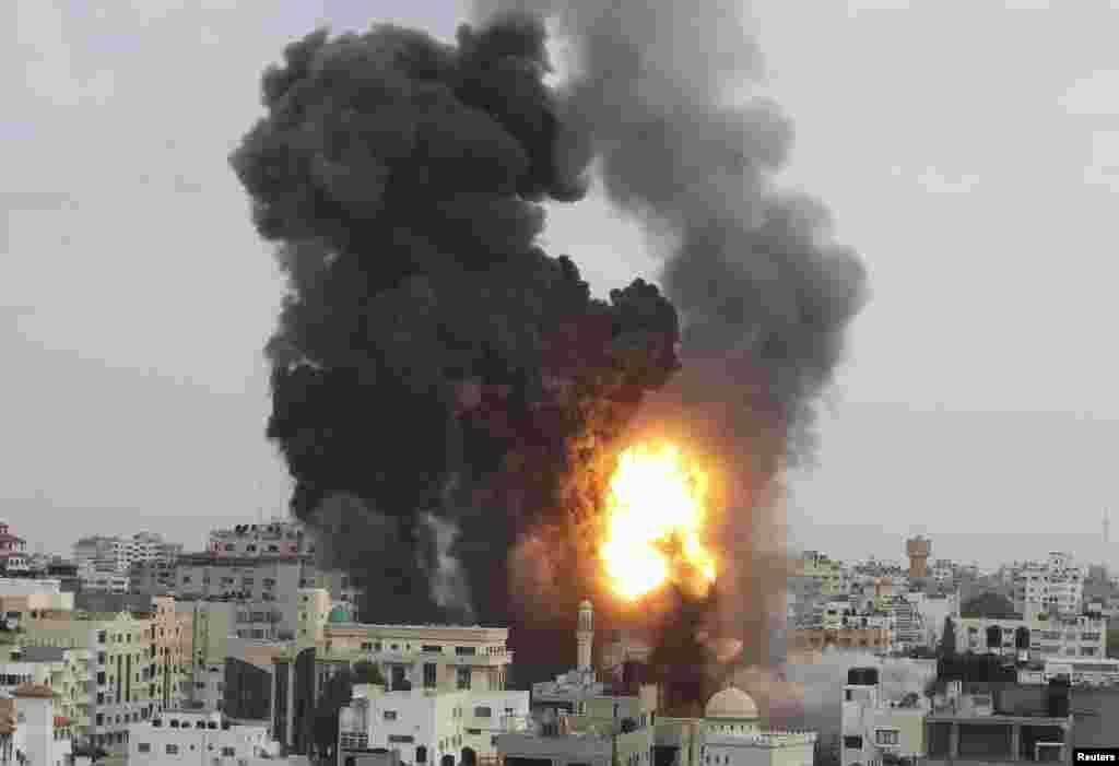 ქალაქი ღაზა ისრაელის შეიარაღებული ძალების საჰაერო იერიშის შემდეგ.