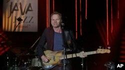 Sting saat tampil di panggung Java Jazz Festival, Jakarta, 5 Maret 2016 (Foto: dok).