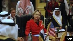 Хиллари Клинтон на форуме лидеров арабских государств в Катаре