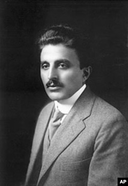 Arab-American author Ameen Rihani in 1916