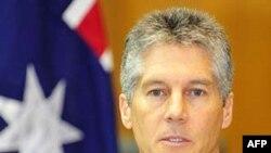 Ngoại trưởng Smith nhấn mạnh rằng việc gia tăng trợ giúp không phải là phần thưởng dành cho chính phủ quân nhân Miến Điện
