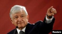 로페스 오브라도르 멕시코 대통령이 지난 3일 멕시코시티에서 취임 후 처음으로 기자회견을 열었다. 미국에 중남미 출신 이주자에 대한 노동비자 확대를 제안했습니다.