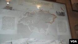 俄罗斯几百年来一直探索北极航道。圣彼得堡极地博物馆的示意图显示,日俄战争战败后,沙俄海军部1910-1915年专门组织了从亚洲符拉迪沃斯托克到欧洲阿尔汉格尔斯克两地之间的北极航道考察探险活动。