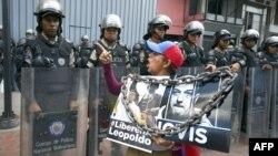 Se convocó a una marcha por la liberación de los presos políticos. Los estudiantes también marcharon.