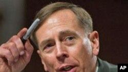 Американскиот Сенат го потврди Петреус на чело на авганистанската војна