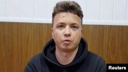 На фото: Роман Протасевич у віде оприлюдненому після затримання